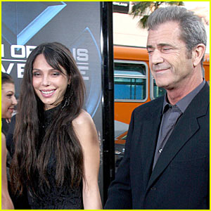 http://topnews.in/light/files/Mel-Gibson-Oksana-Grigorieva_1.jpg