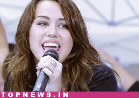 Miley Cyrus to celebrate 18th birthday with parents