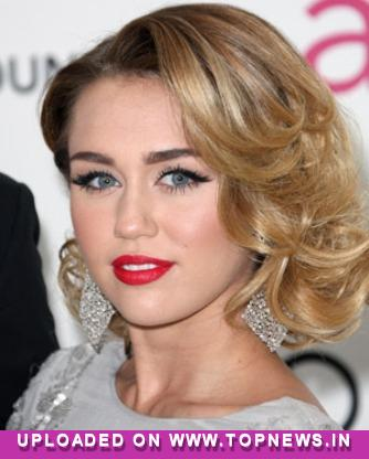 Miley Cyrus' trio of diamond rings spark marriage rumours