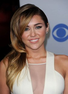 Miley Cyrus faces backlash over 'forget Jesus' tweet