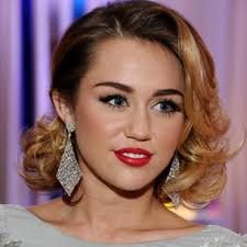 Miley Cyrus`s engagement ring worth $250k