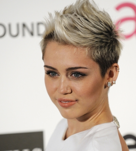 Is Miley Cyrus secretly dating photog?