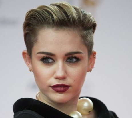 Miley Cyrus refuses fan's viral prom invite