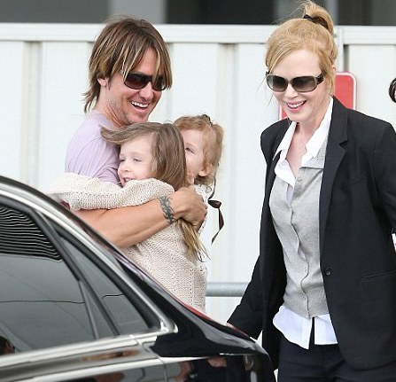 Nicole Kidman and hubby Keith Urban get emotional after reuniting