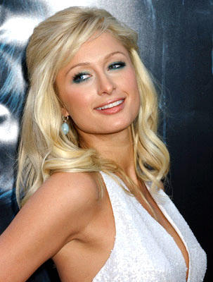 Paris Hilton in alleged scuffle with photog