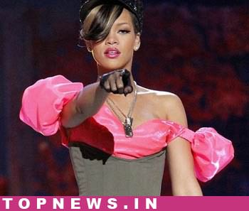 Rihanna wax statue unveiled at Tussauds