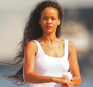 Rihanna plans wild yacht party with Brown
