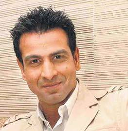 Ronit Roy down with typhoid