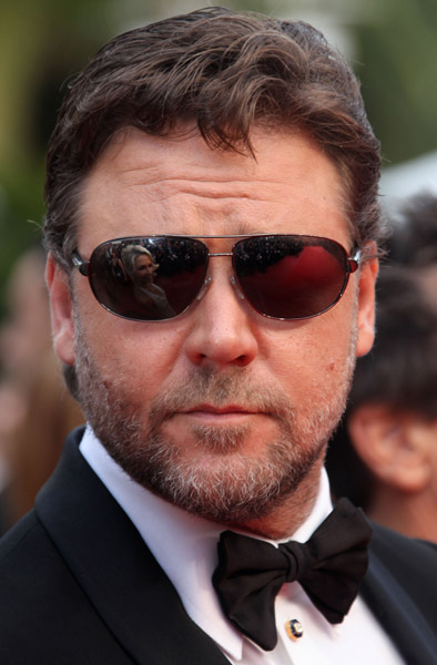 Russell Crowe breaks silence after marriage split