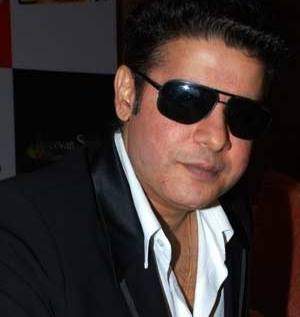 Sajid Khan waiting for right script to cast SRK, Akshay