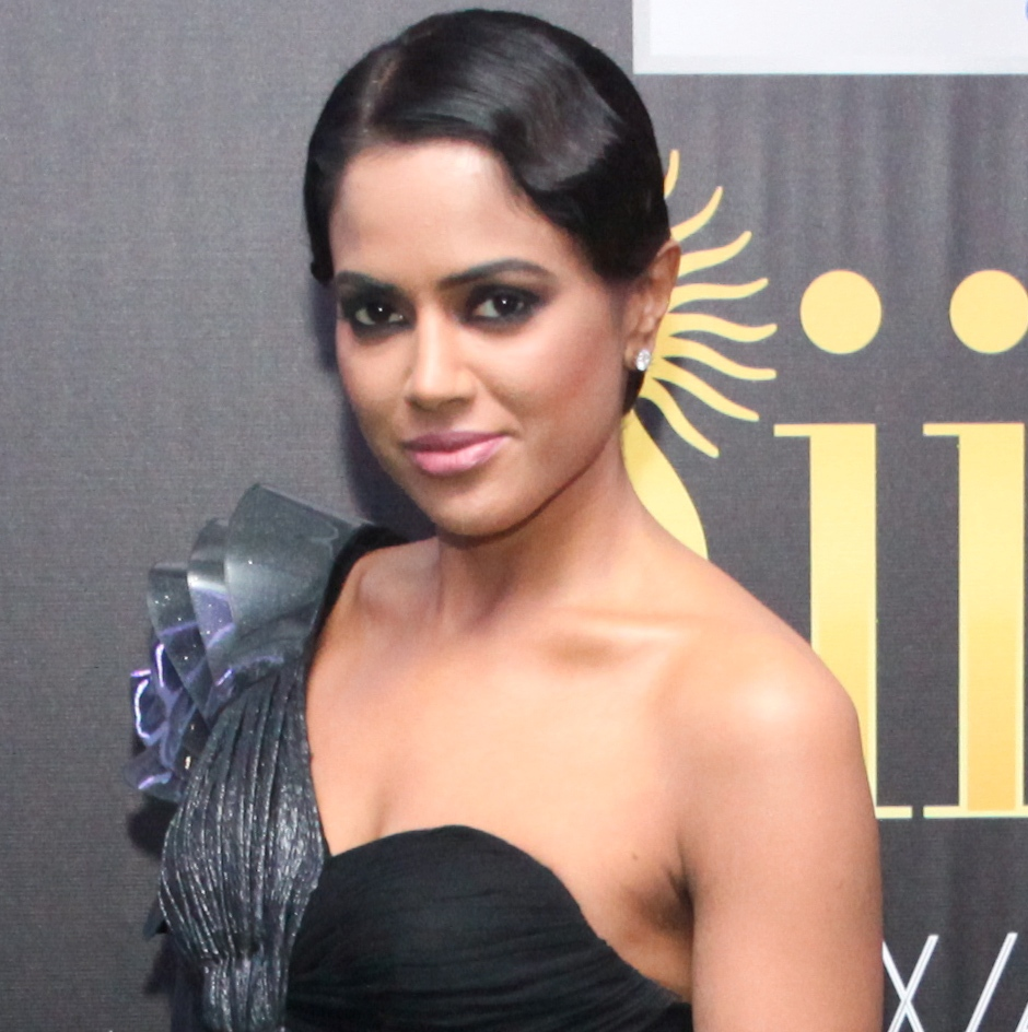 Indians stuck with fair skin, light eyes: Sameera Reddy