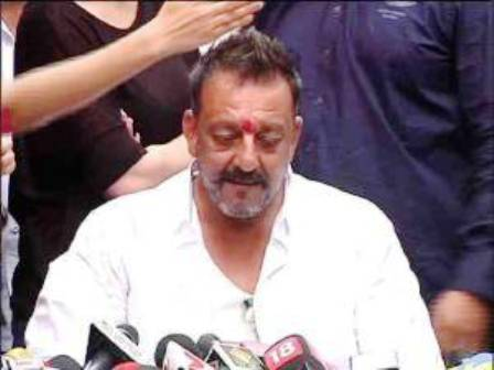 `Emotional` Sanjay Dutt's heartfelt tribute to father on birth anniversary