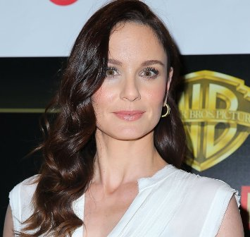 Sarah Wayne Callies set to star with Nicolas Cage in 'Pay The Ghost'