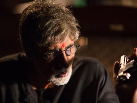 'Sarkar 3' is running ahead of schedule by miles: Big B