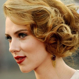 Scarlett Johansson opens up about relationship with fiance Romain Dauriac