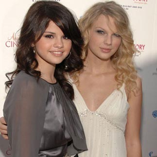 Gomez, Swift enjoy girls night