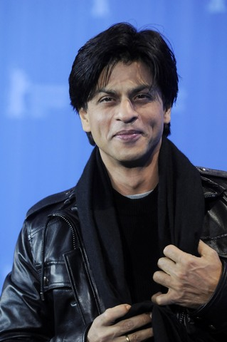 Movies doesn't make me, people do: Shah Rukh