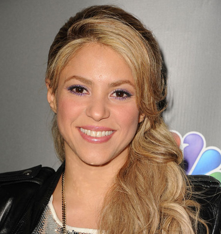 Shakira in a wedding dress!