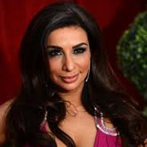 Indian origin Brit TV star Shobna Gulati dating toyboy 17 years junior