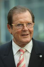 Sir Roger Moore dying to play `Bond baddy`