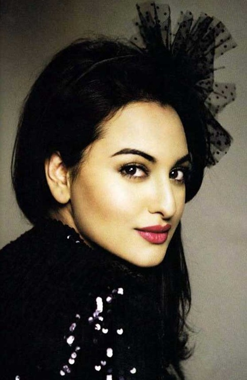 Sonakshi - surprise packet in 'Oh My God' 