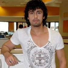 Sonu Nigam sings at Ramlila Maidan for Hazare