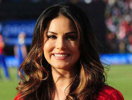 Sunny Leone happy for being part of '100th day' of 'Raees'