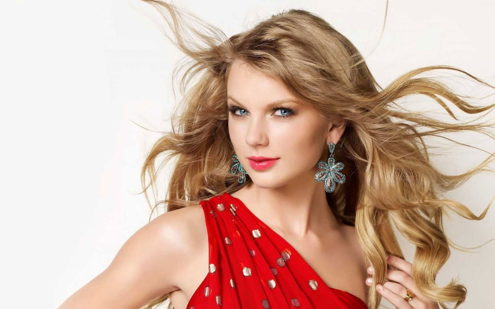 Is Swift's NME award a middle finger to her 'Haters'?