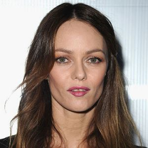 Johnny Depp's ex-Vanessa Paradis credits yoga for shapely legs