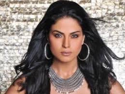 Veena Malik says assault accusation a publicity stunt by co-star