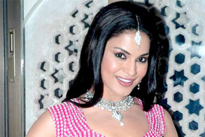 Veena Malik `excited` about release of Daal Mein Kuch Kaala Hai