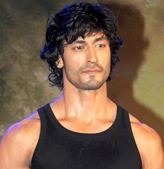 Vidyut Jamwal to play Irrfan Khan's junior version