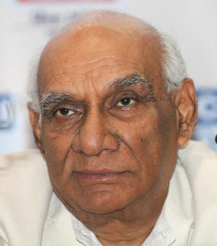 Filmmaker Yash Chopra begins final journey