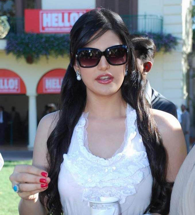 Zarine Khan Photos Com