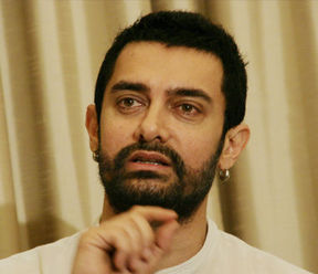 Aamir celebrates a decade of 'Lagaan' in style
