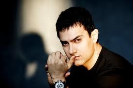 When painting, I feel I'm making something like a Picasso: Aamir