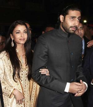 Aishwarya Rai, Abhishek participate in event organised by Bunt community