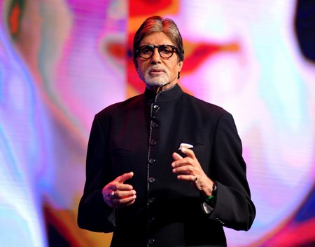 Big-B lauds the progress in Marathi films