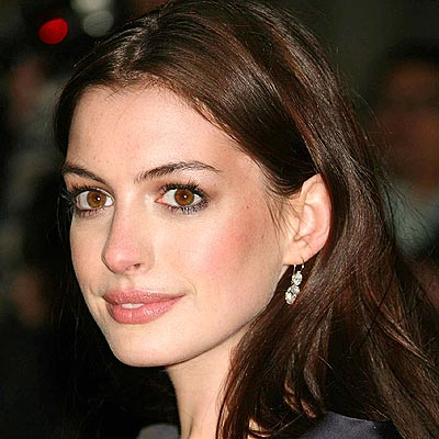 Anne Hathaway to appear on Glee?