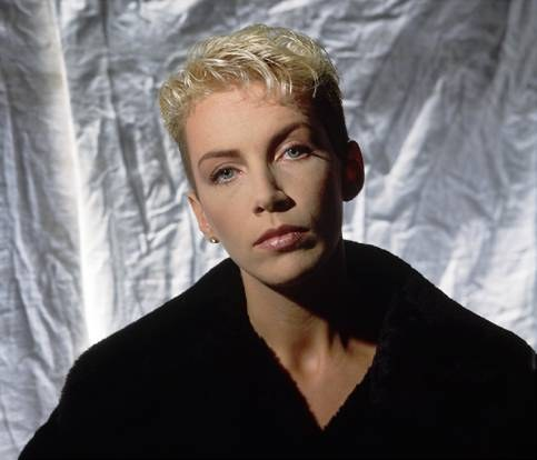 Annie Lennox to join Scottish