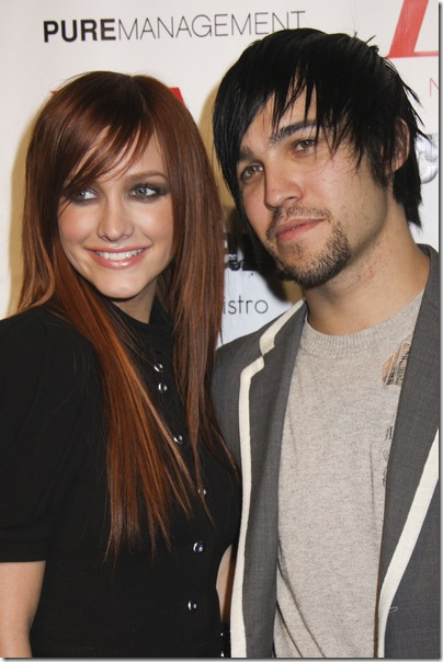 Ashlee Simpson, Pete Wentz enjoy Valentine''s Day lunch post-split