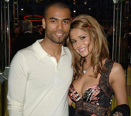 Ashley Cole accused of enjoying tryst with 3 women while wooing ex Cheryl!
