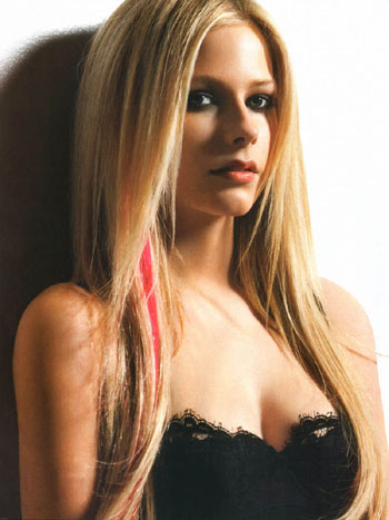 Avril Lavigne Cool Blonde Hairstyle Nov 26, 2010