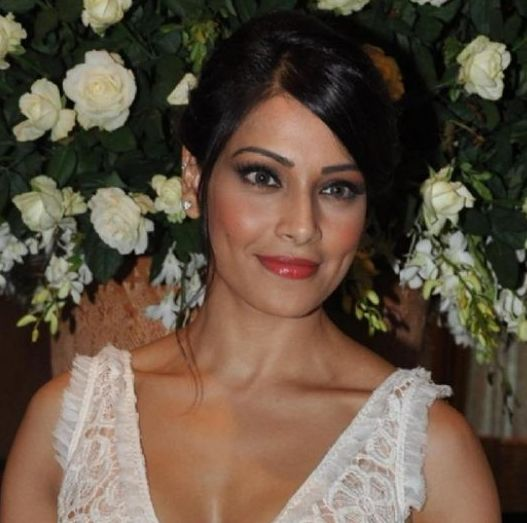 Bipasha takes week off for recovery
