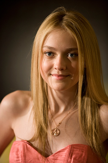 http://topnews.in/light/files/dakota_fanning11.jpg