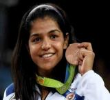 From Aamir to Amitabh, B-town hails achievement of Olympics medallist Sakshi