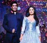 Kareena gives ultimate pregger's goal while posing with Manish Malhotra!