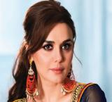 Newlywed Preity Zinta visits Siddhivinayak