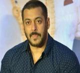 Salman gets everyone in `Sultan Hoodie` mode