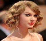 Taylor Swift's friends 'don't trust' Calvin Harris